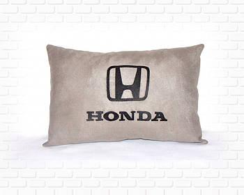 Автоподушки с вышивкой логотипа