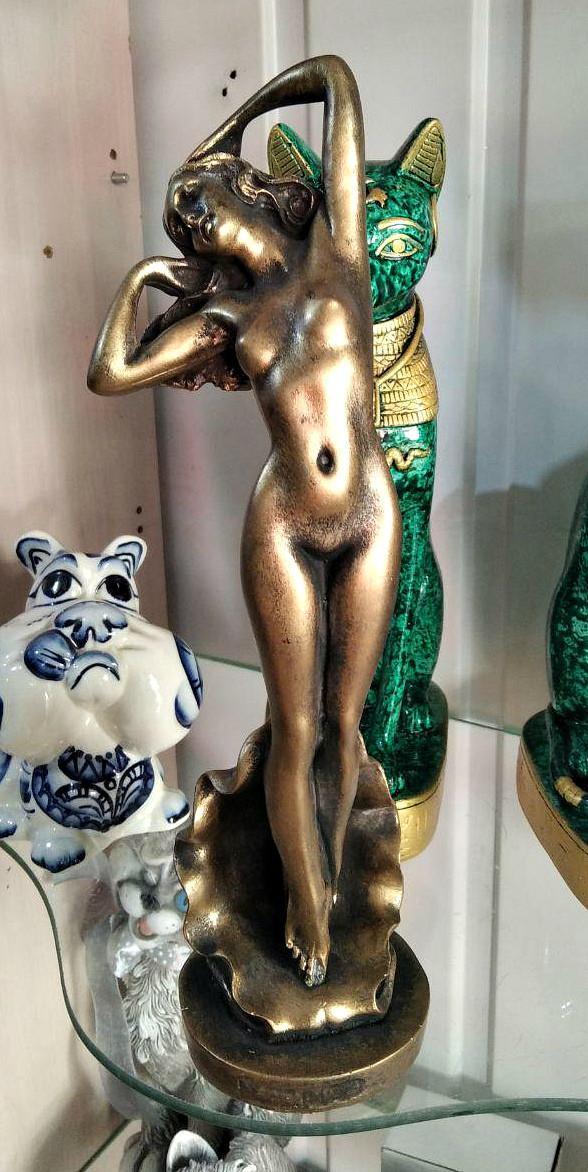 Статуэтка - денежный оберег богиня Афродита, цвет - бронза, высота 31 см.
