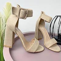 Бежевые женские замшевые босоножки на высоком каблуке с широким ремешком GJ752