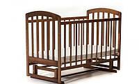 Кроватка для новорожденных маятниковый механизм качания темный орех LAMA ортопедическая опускающийся бортик