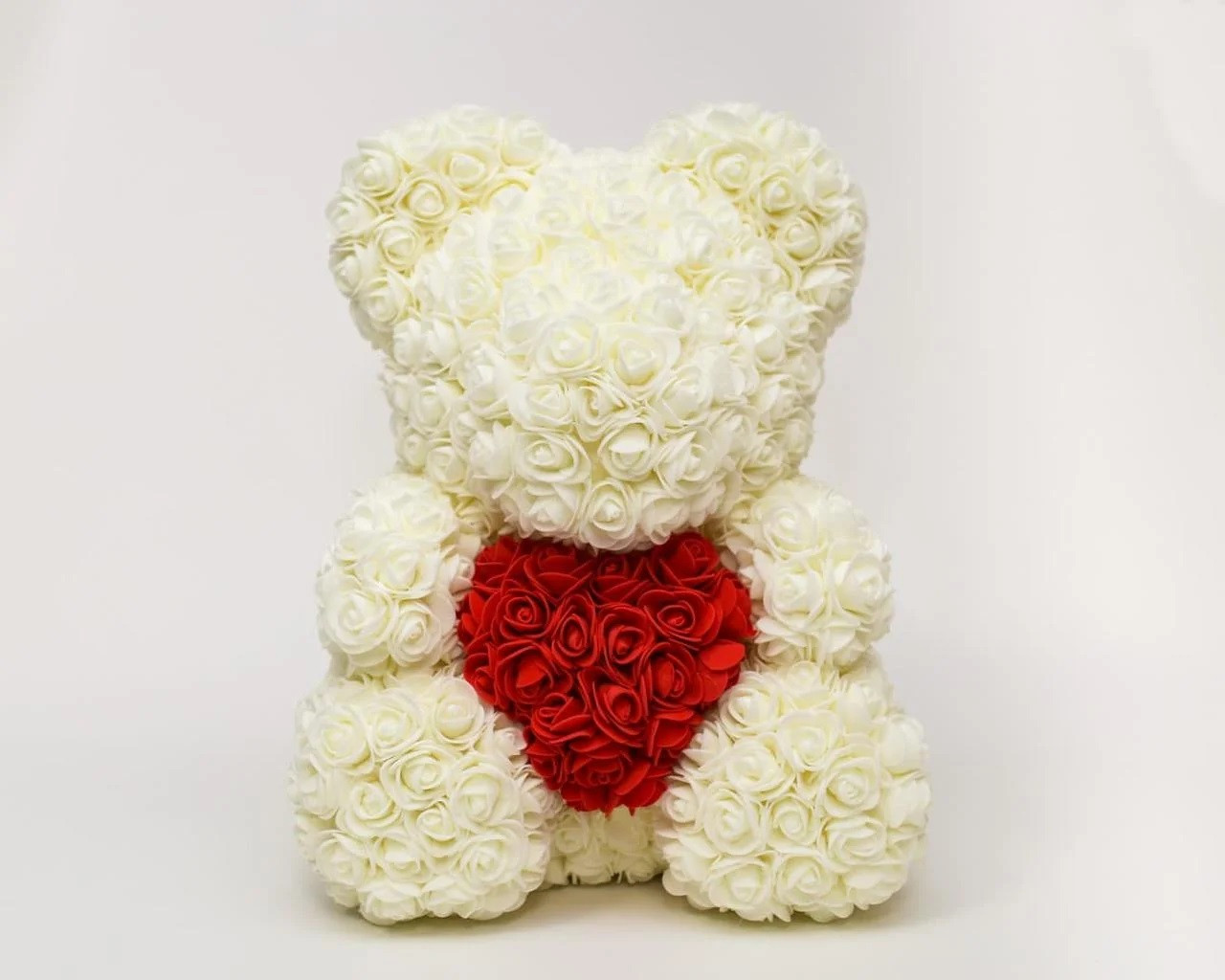 Мишка с сердцем из 3D роз Teddy Rose 40 см Белый