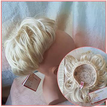 Шиньон-бабетта на гульку короткий на гребешках блонд KELI-613