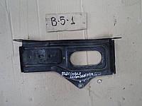 Площадка под аккумулятор VW Passat B5, 2001 г.в., 8D0 805 213 A, 8D0805213A