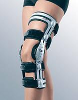 Жесткий регулируемый коленный ортез M.4 AGR для лечения genu recurvatum