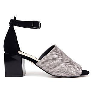 Кожаные женские босоножки 38. 40. Woman's heel черные с бронзовым отблеском на широком каблуке