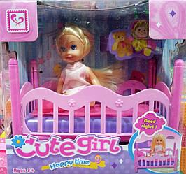 Кукла в кровати