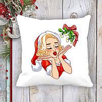 Подушка с новогодним принтом Мэрилин Монро в новогоднем костюме и омела