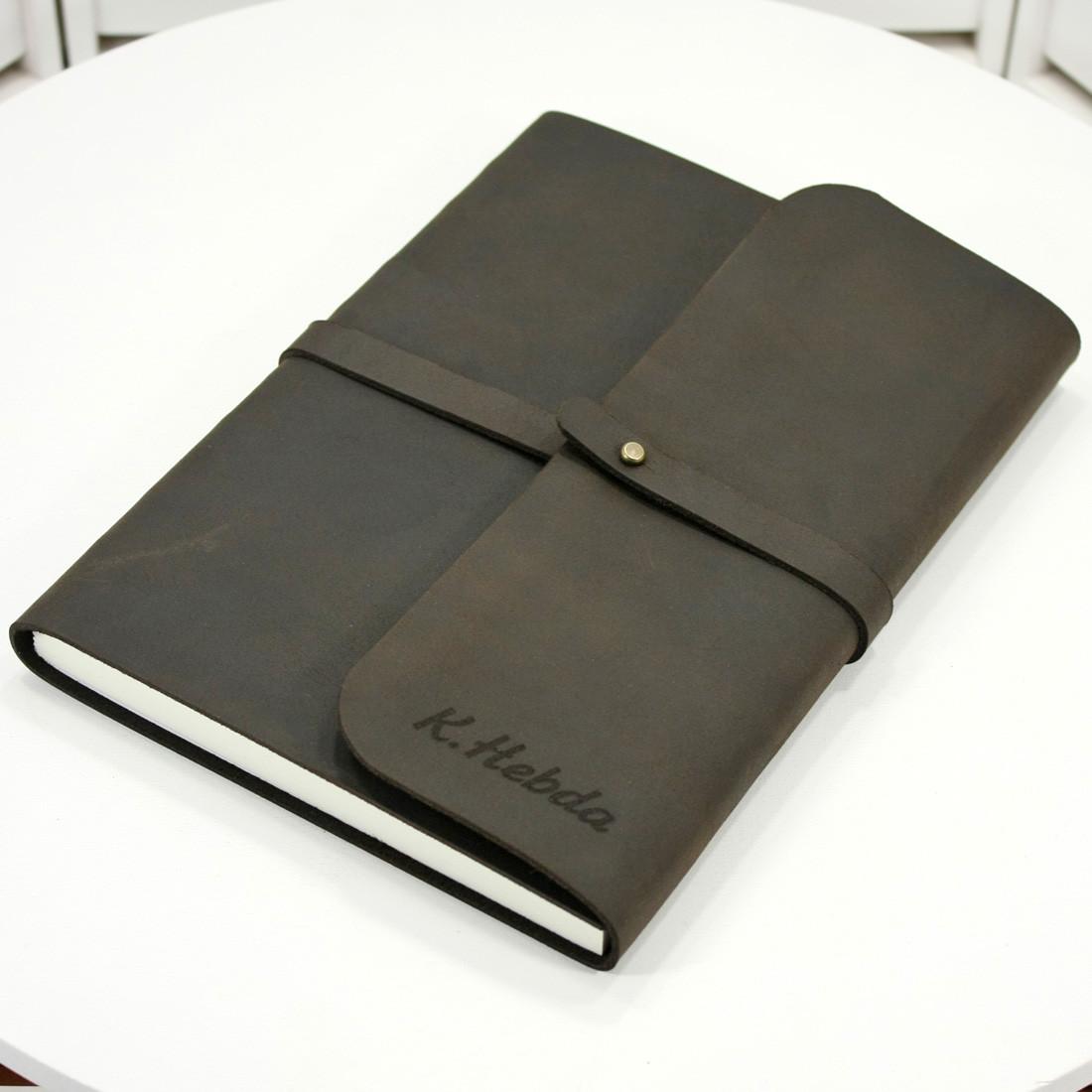 Кожаная записная книжка M (A5). Блокнот в мягком переплёте из нат. кожи с лазерной гравировкой. Ручная работа