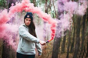 Фотографії із застосуванням кольорових димових шашок