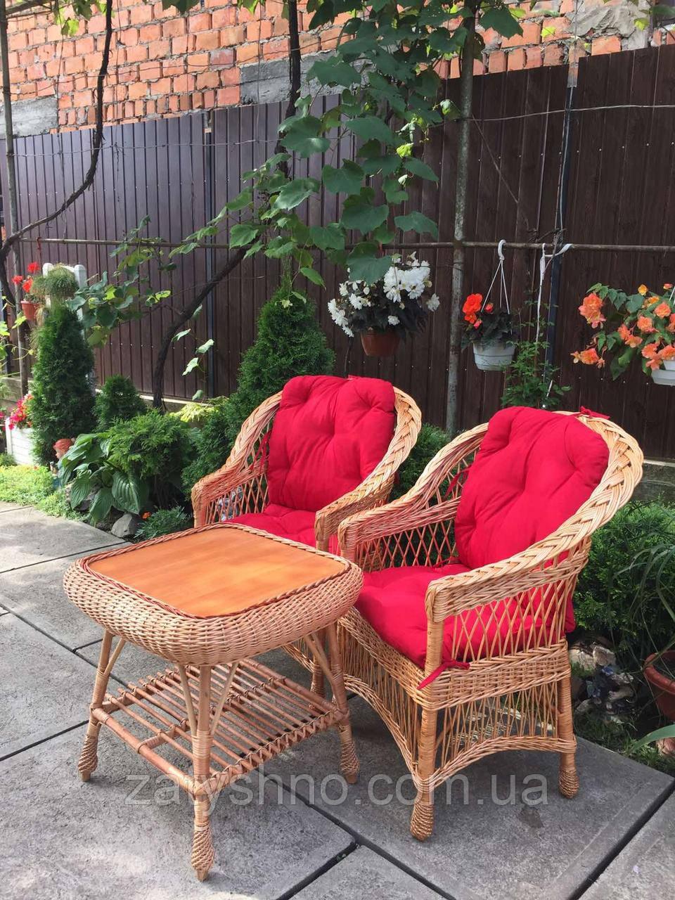 Столик и кресла для кухни плетеные