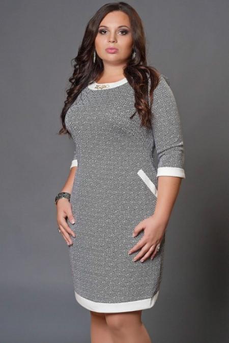 Платье с замком на спине большой размер