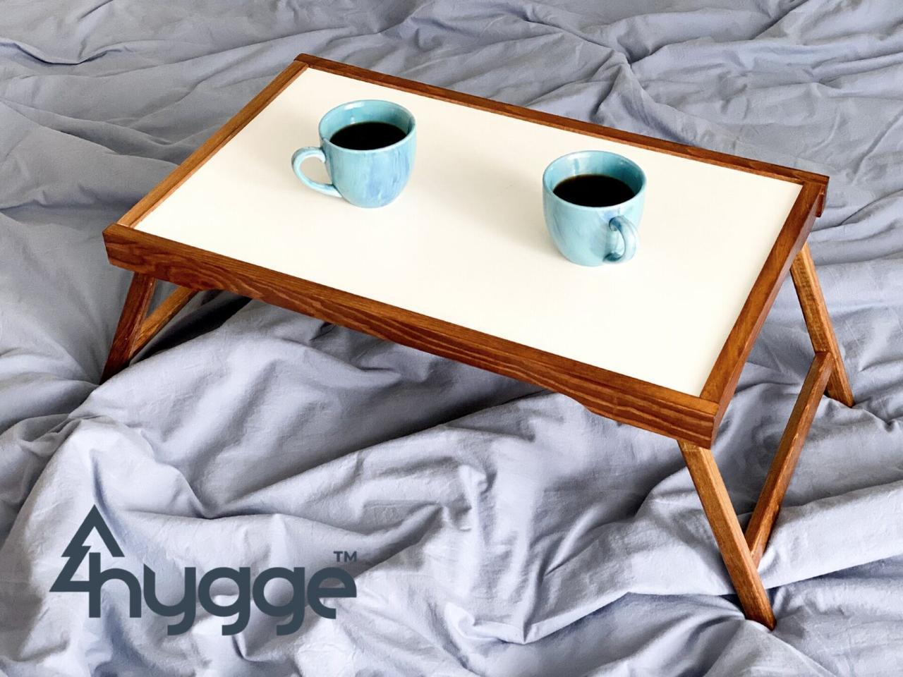 Деревянный столик для завтрака на кровать Hygge™ Vanlig, золотой дуб 7trav
