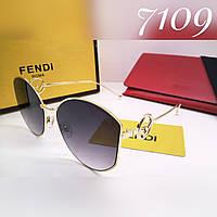 Стильные очки fendi в метале фигурные дужки серые