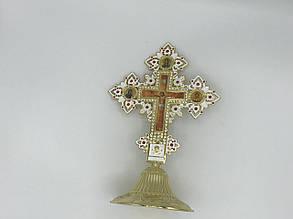 Крест на подставке фигурный