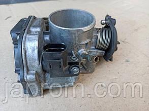 Дроссельная заслонка Audi A4 1.6 1.8 бензин