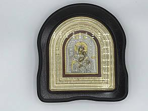 Икона Божьей Матери в рамке из дерева