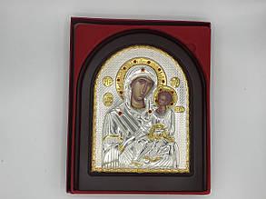 Икона Божьей Матери с младенцем в деревянной рамке
