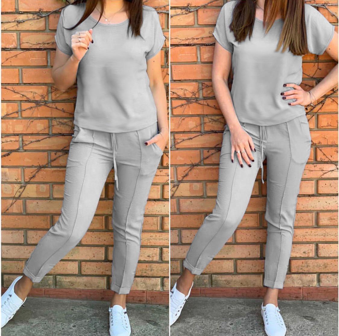 Серый Костюм женские летний трикотажный двойка футболка и укороченные брюки