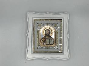 Икона в белой рамке из дерева
