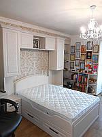 Изготовление подростковой дизайнерской мебели на заказ - детская кровать с нишей и полки в Одессе