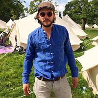 Чоловіча яскраво синя лляна сорочка електрик з білими ґудзиками., фото 1