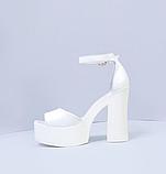 Женские белые кожаные босоножки на высоком каблуке и платформе ТМ Bona Mente, фото 2