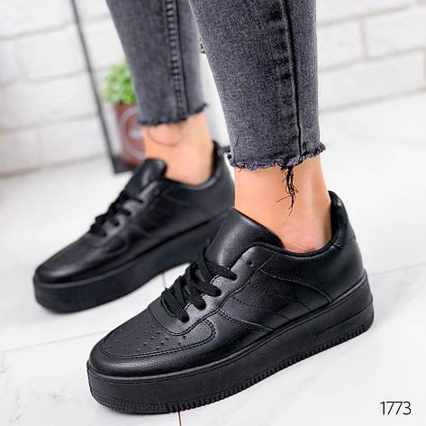 Кроссовки женские черные на платформе в стиле Nike из эко кожи. Кросівки жіночі чорні на платформі, фото 2