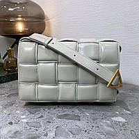 Женская молочная белая слоновая кость сумка Bottega Padded Cassette кожа кожаная клатч плетеная