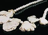 Бусы из жемчуга со вставками гавлита, фото 2