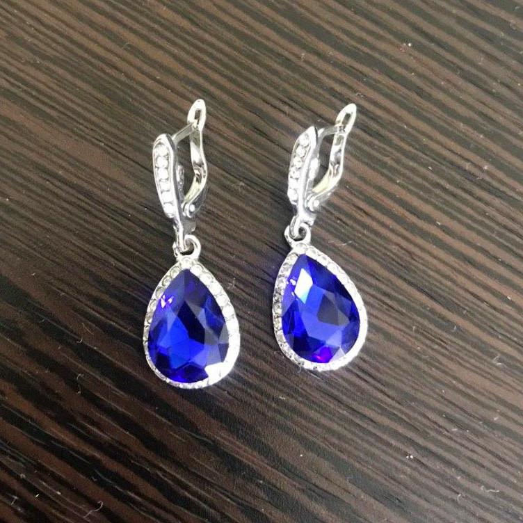 Сережки з синіми камінчиками
