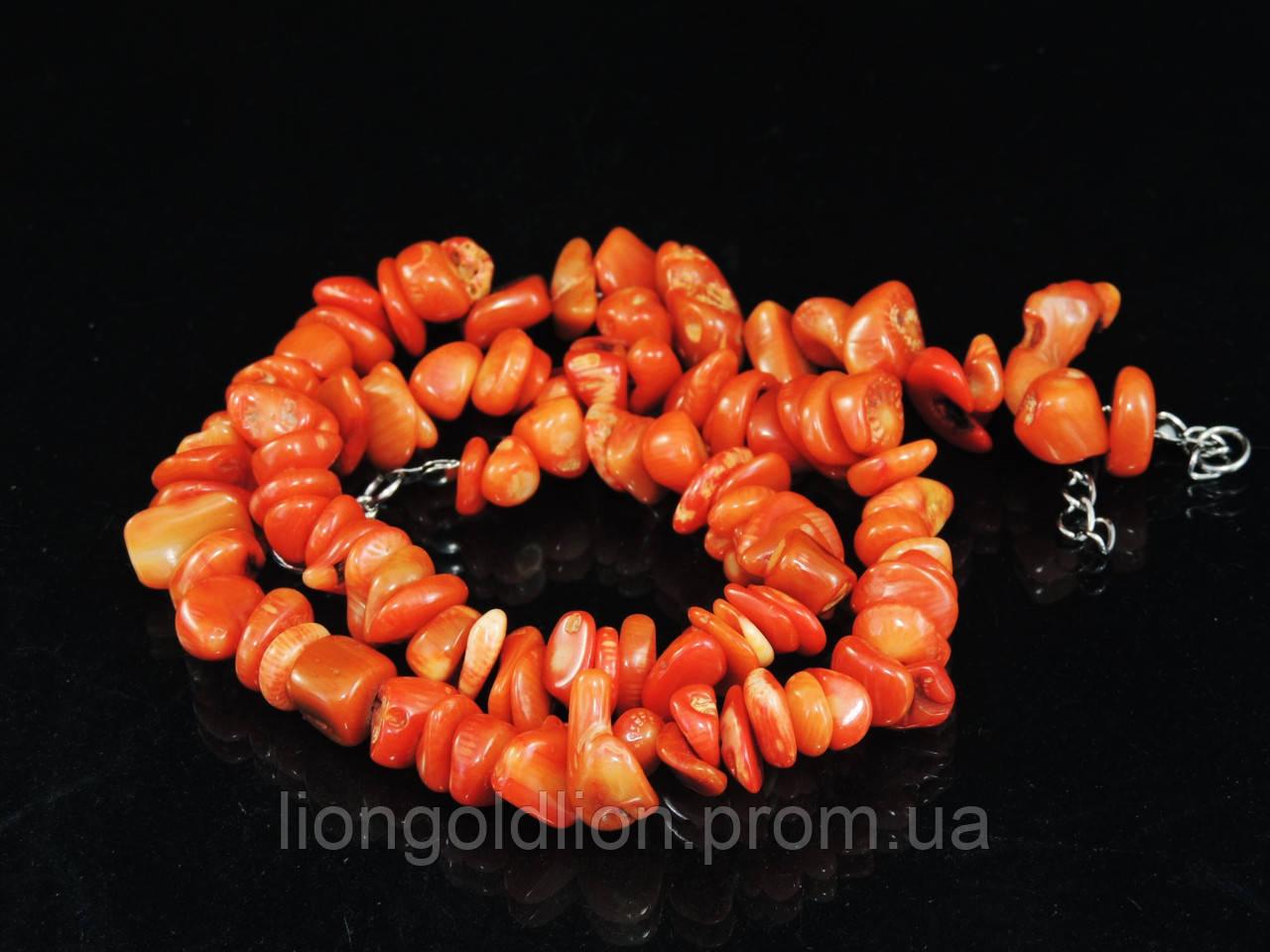 Крошка из оранжевого коралла 45см
