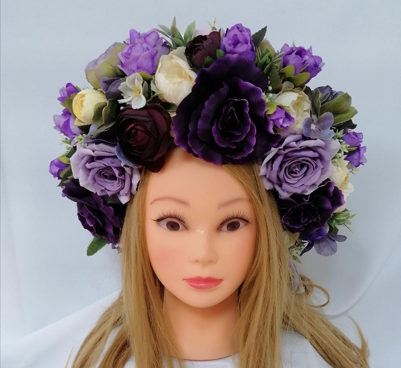 Венок  из  искусственных цветов Волинські візерунки из фиолетовых роз