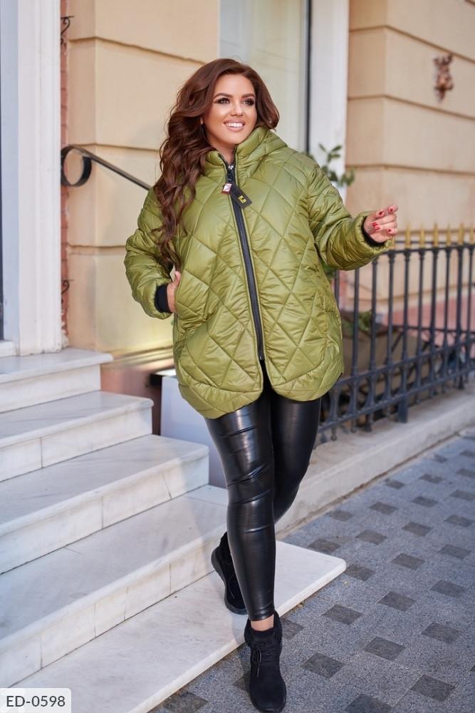 Стьобана Куртка демісезонна, виконана з плащової тканини Розмір: 44,46,48,50,52