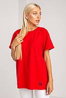 Удобная красная футболка свободного пошива в размере L