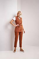 Брючный модный костюм для женщин цвет кемел брюки и жилетка  S, M, L