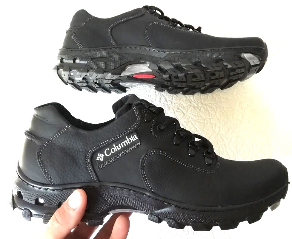 Мужские кожаные чёрные  кроссовки  треккинговая подошва
