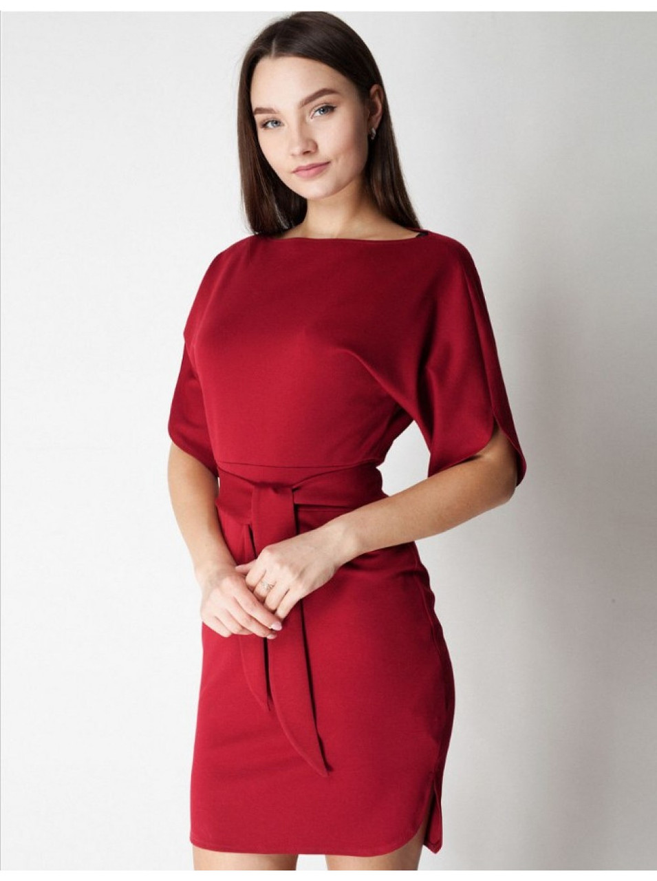 Платье трикотажное в бордовом цвете. Сезон весна - лето