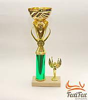 Кубок - награда на мраморной подставке