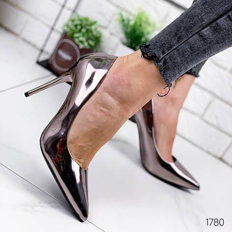 Туфли женские бронзовые на каблуке из эко кожи. Туфлі жіночі  бронзові на підборах з еко шкіри, фото 2