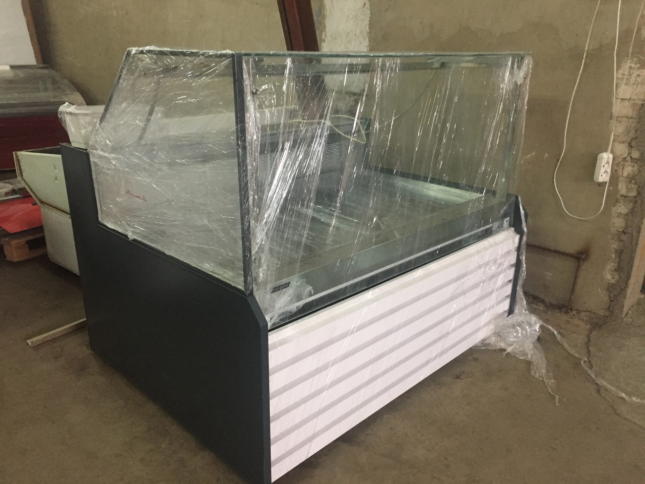 Холодильная витрина Миссури А (MISSOURI А) cube