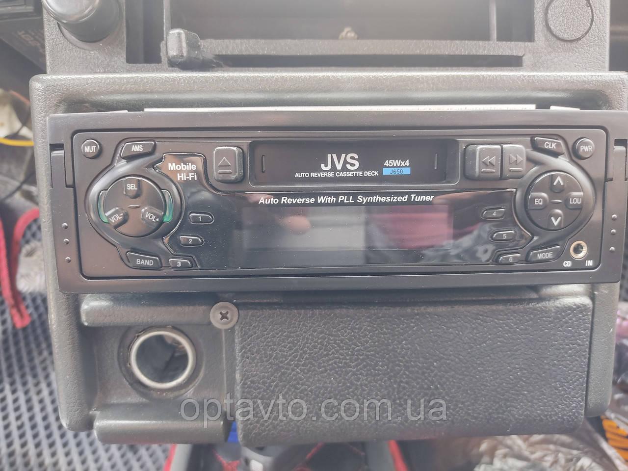 Магнитола в автомобиль с AUX, а также AM-FM приемник, кассетный магнитофон. JVS