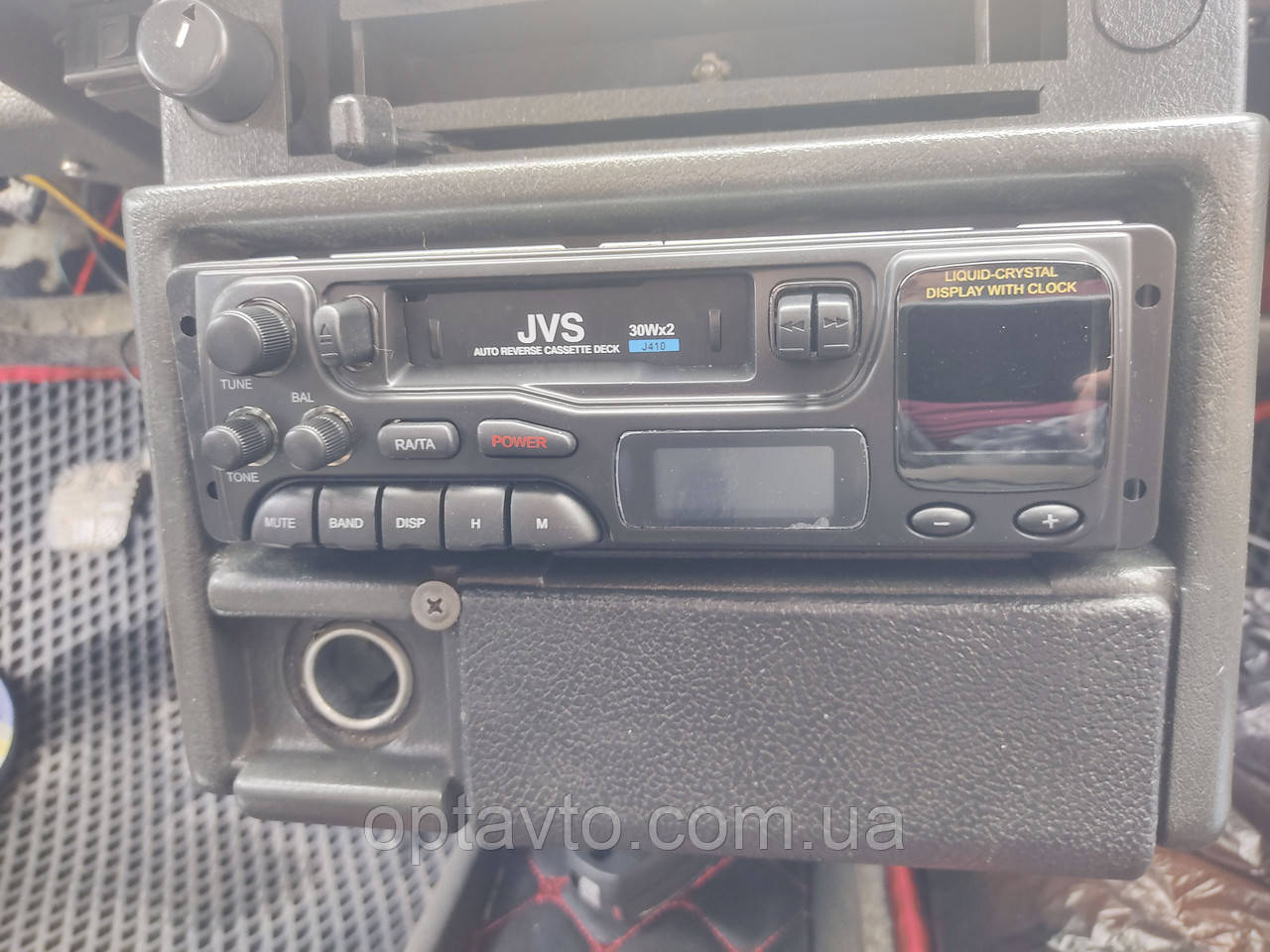 Магнитола в автомобиль AM-FM приемник, кассетный магнитофон. JVS