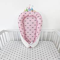 Кокон-позиционер для сна в розовых тонах с серыми коронами со съемным матрасом, фото 1