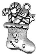 Кулон Носок, Металл, Цвет: Античное Серебро, Размер: 29х19х3мм, Отверстие 3мм, (БА000001541)