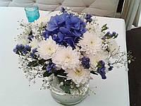 Композиция на стол в синем цвете