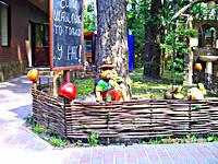 Плетеные заборы (украинский тын) из лозы (орешника)