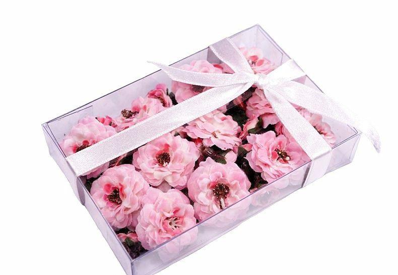 Набор розовых цветочков в коробочке