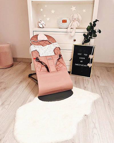 Этот шезлонг займёт особое место в Вашем доме. Кресло-шезлонг Babybjorn.