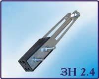 ЗН 2.4 зажимы натяжные (анкерные) применяются для натяжного крепления СИП к опорам или стенам зданий.