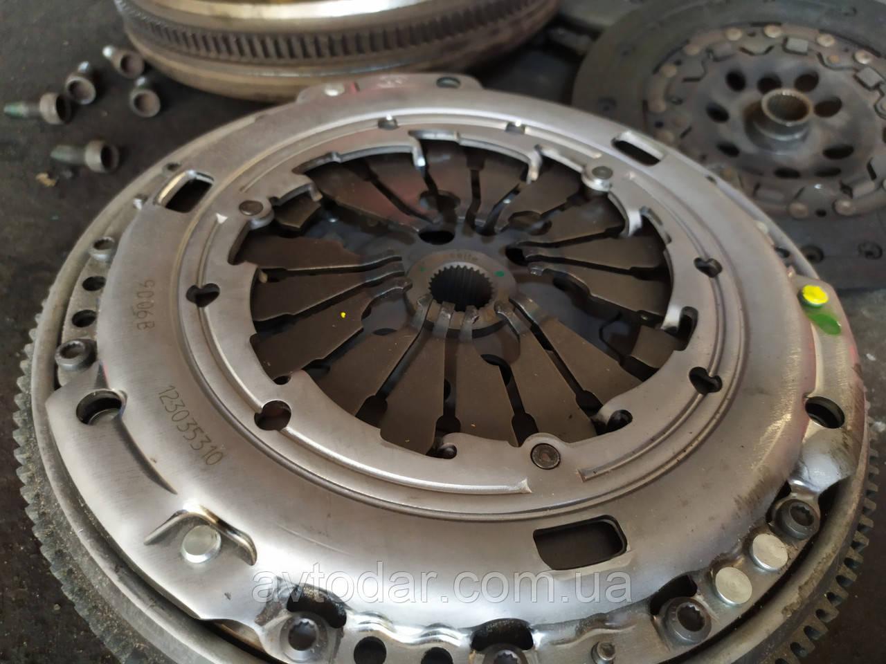 Заміна зчеплення Volkswagen Caddy ремонт коробки передач